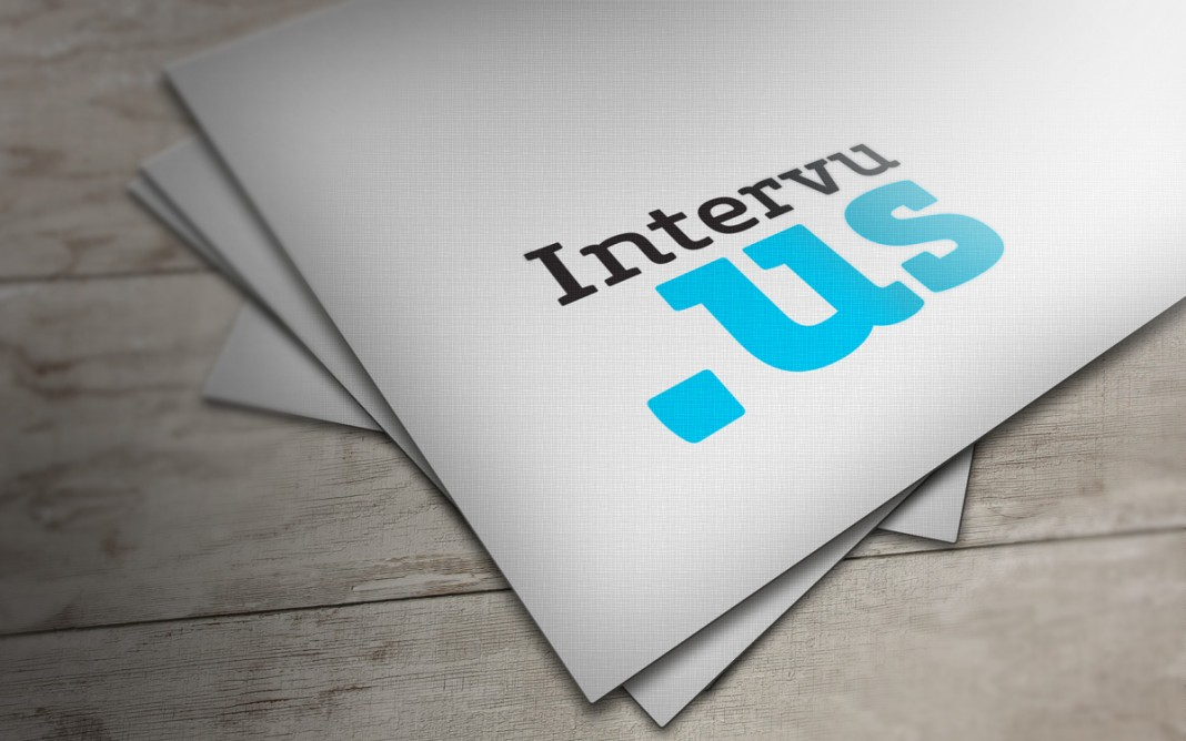 intervu.us logo mockup